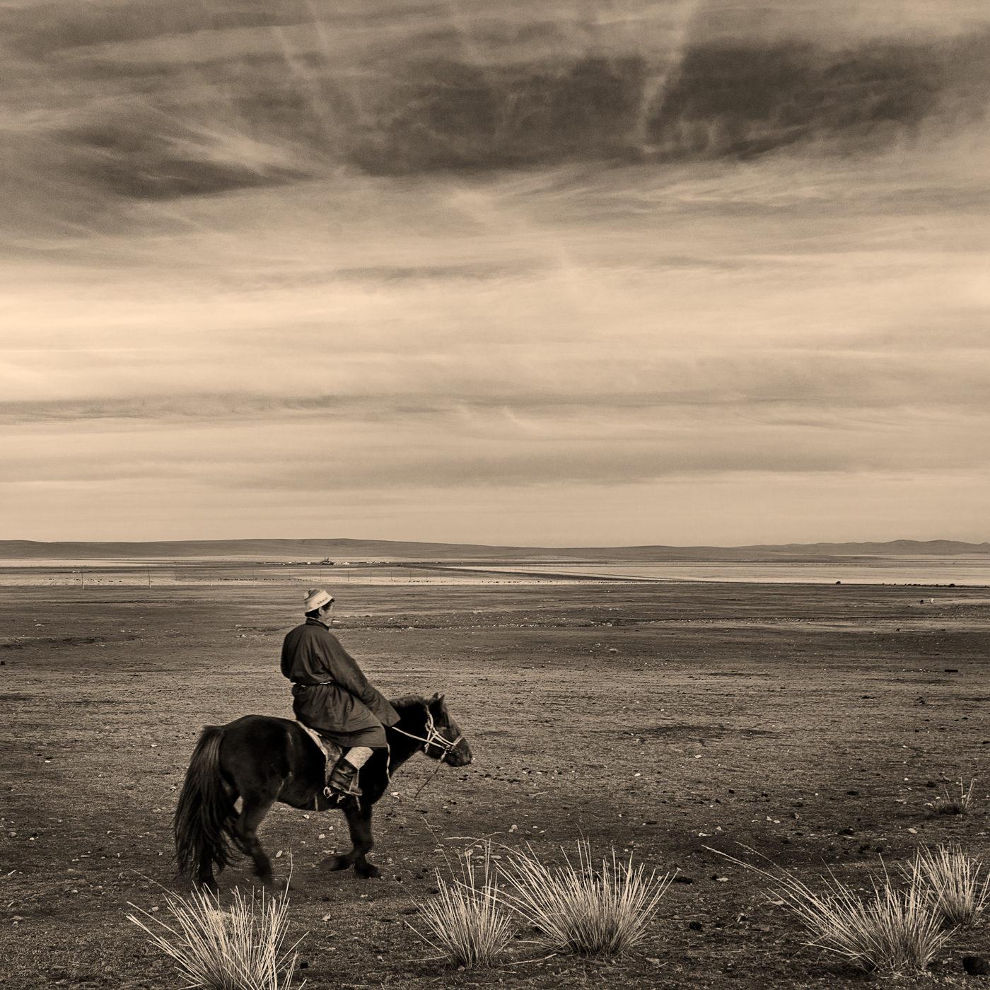 遊牧民とロバ